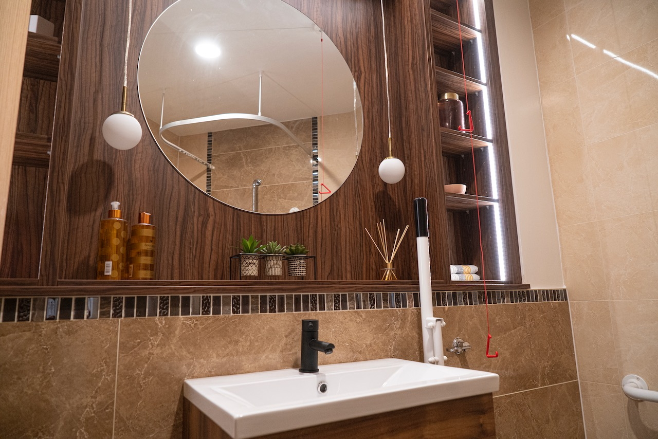 foxholes care home hitchin suites bathroom